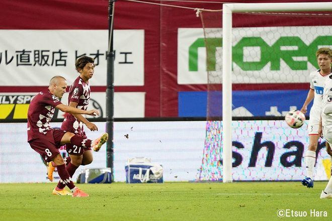「神戸にはイニエスタがいる」原悦生PHOTOギャラリー「サッカー遠近」 神戸ー札幌の画像001