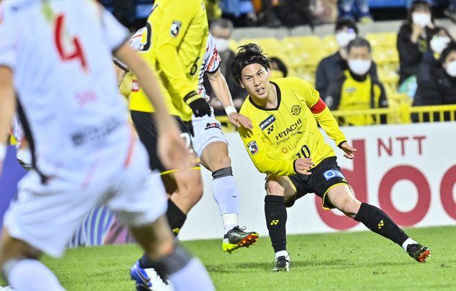 「日本代表」新戦力のプレースタイル(1)江坂任「チーム得点の38.2%を占める決定力」の画像004