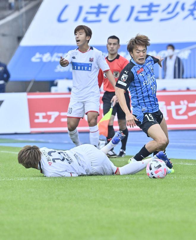 川崎は札幌になぜ負けたのか?(2)いつもと違って行けなかった「前からの守備」の画像009
