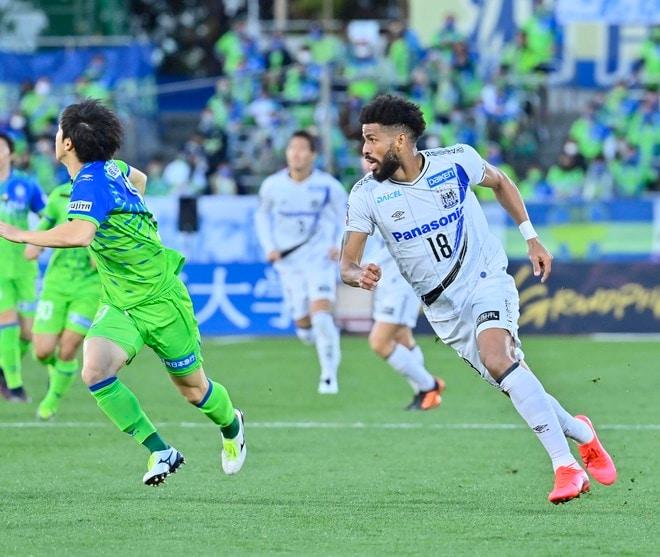G大阪、総力戦で「2位」死守!(1)苦戦チームをけん引した「パトリックの強靭プレー」の画像035