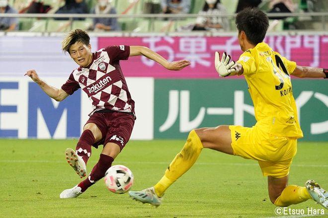 「神戸にはイニエスタがいる」原悦生PHOTOギャラリー「サッカー遠近」 神戸ー札幌の画像002