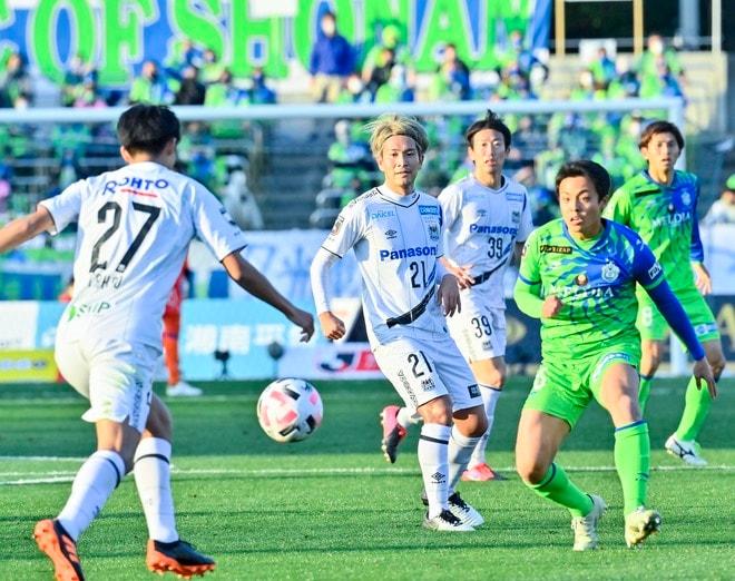 G大阪、総力戦で「2位」死守!(1)苦戦チームをけん引した「パトリックの強靭プレー」の画像029