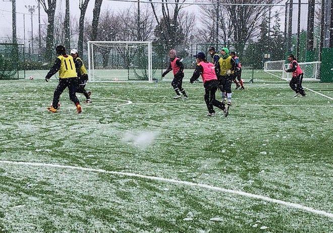 大住良之の「この世界のコーナーエリアから」 第31回「冬のサッカーに不可欠なもの」の画像001