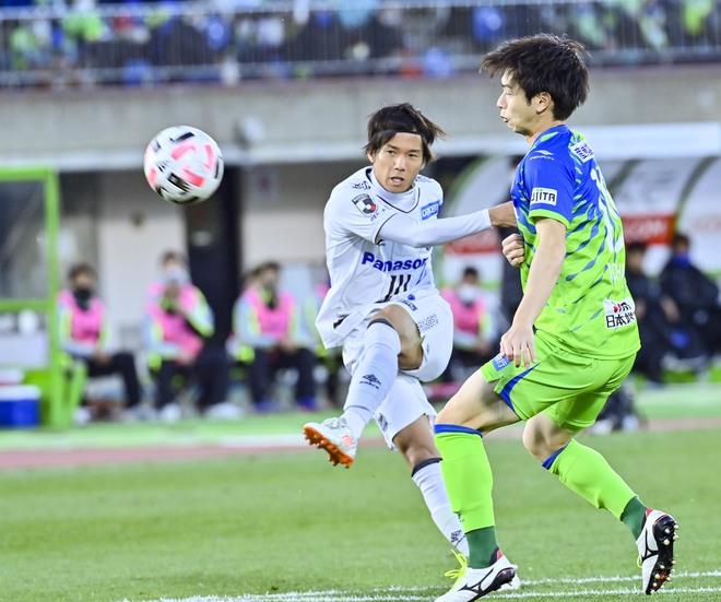 G大阪、総力戦で「2位」死守!(1)苦戦チームをけん引した「パトリックの強靭プレー」の画像033