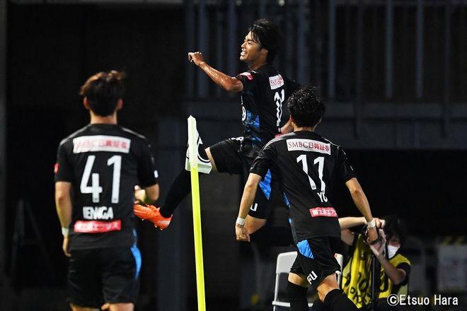原悦生PHOTOギャラリー「サッカー遠近」 川崎ーC大阪「10連勝記録樹立!」の画像009