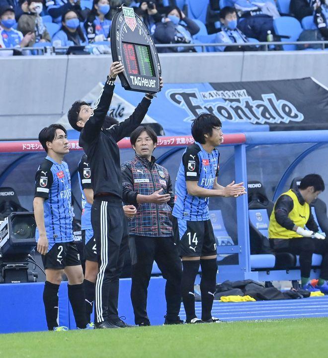 川崎は札幌になぜ負けたのか?(2)いつもと違って行けなかった「前からの守備」の画像028