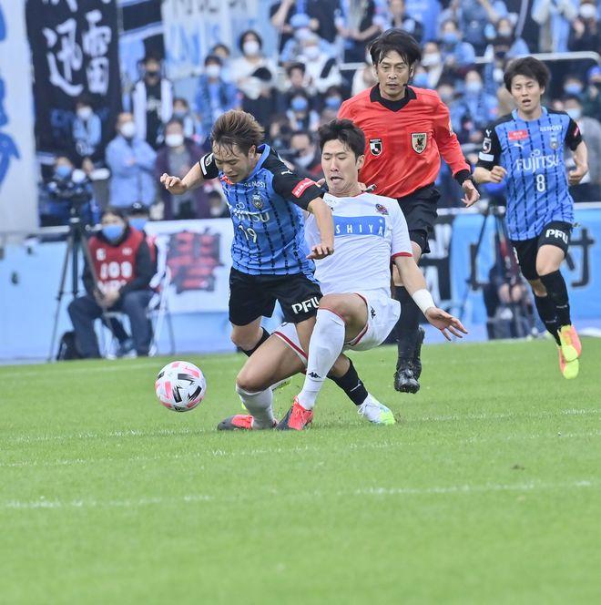 川崎は札幌になぜ負けたのか?(2)いつもと違って行けなかった「前からの守備」の画像014