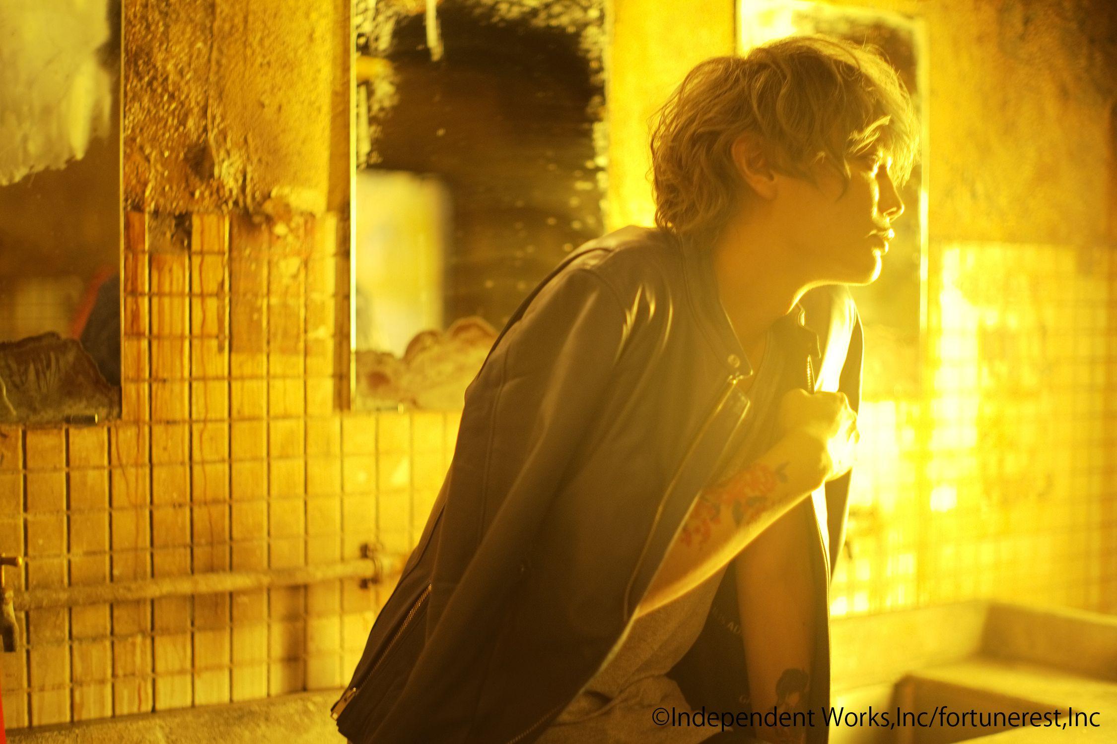 声優・浅沼晋太郎、異例発売前二度重版の1st写真集が発売の画像002